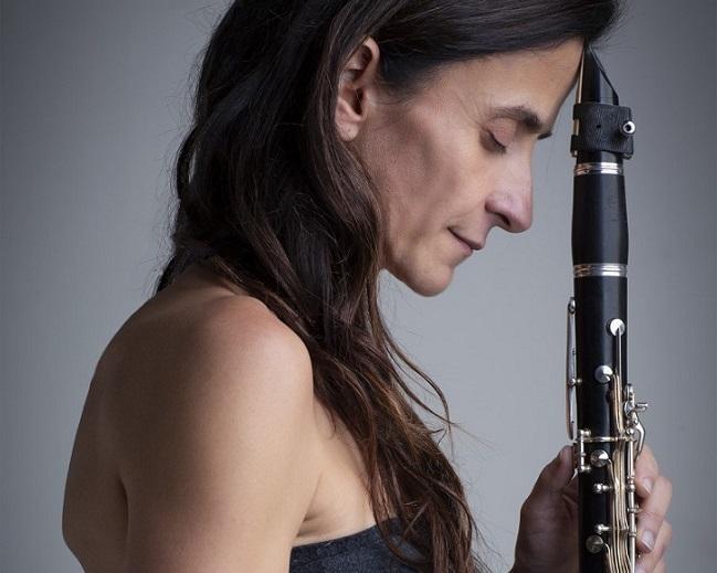 Imagen de la clarinetista Ana María Pérez