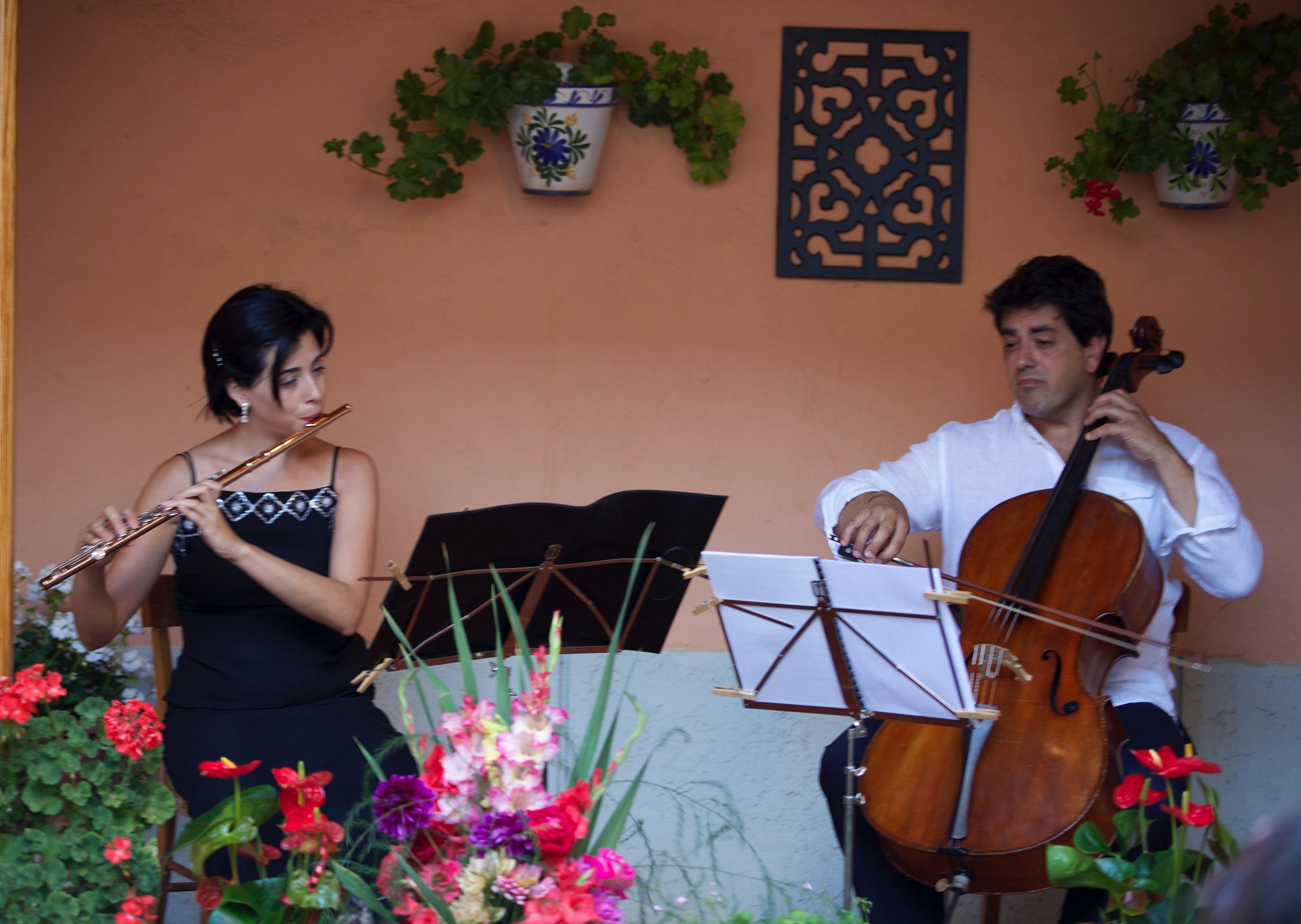 Imagen de los músicos Raquel Fernández y Juan Cué